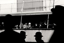 "'Abdu'l-Bahá se nazire na brodu ""S.S. Celtic"" na putovanju iz New Yorka prema Liverpoolu, Engleska, 5. prosinca 1912."